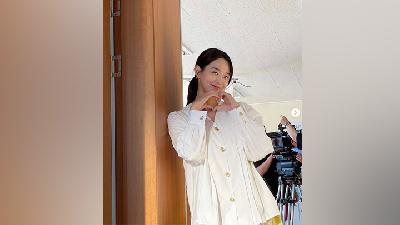 Inspirasi Fashion Yoon Hye Jin di Hometown Cha-Cha-Cha, Feminin hingga Formal