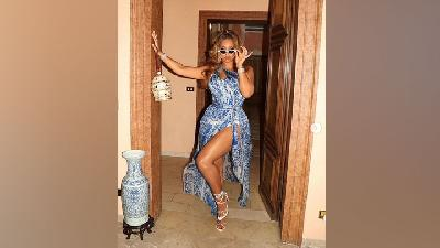 3 Tampilan High Fashion Beyonce di Italia, Gaya Profesional Chic Hingga Glamor